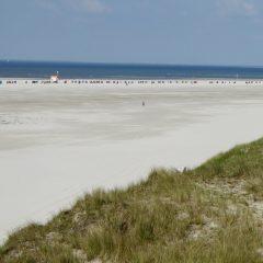 06 Strandkörbe am Meer