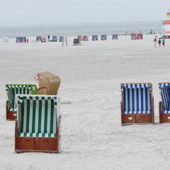 05 Strandkörbe am Meer